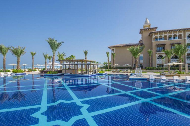 منتجع ريكسوس جزيرة السعديات أبو ظبي