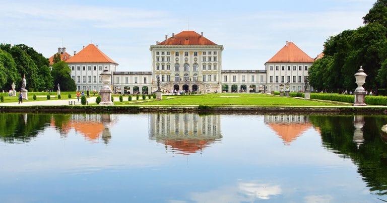 قصر نيمفنبورغ اماكن سياحية في ميونخ