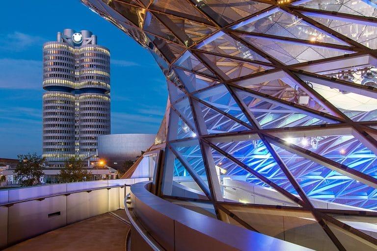 عالم و متحف بي إم دبليو اماكن سياحية في ميونخ