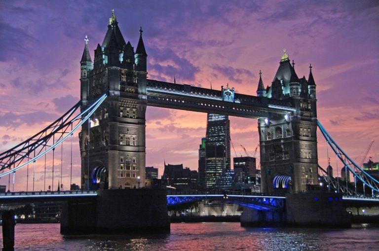 جسر البرج لندن - Tower Bridge - اماكن سياحية في لندن